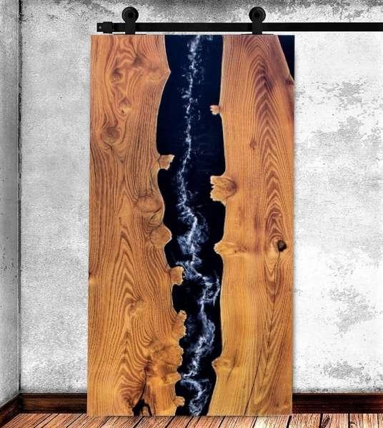 SMOKE RIVER Schiebetür aus Eichenholz mit Epoxitharz